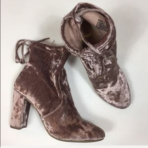 Report light pink crushed velvet boots size 7